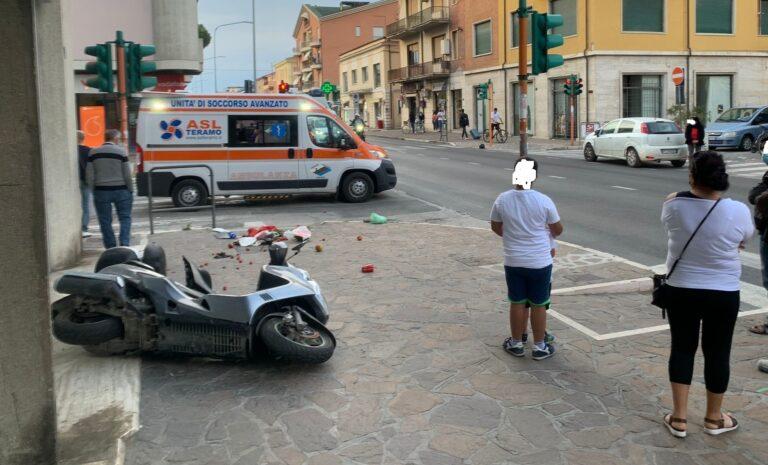 Giulianova, incidente con lo scooter lungo la Statale: finisce in ospedale