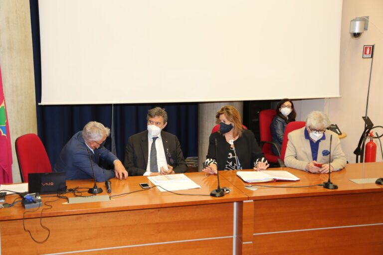Unità di crisi: tutto l'Abruzzo in zona gialla. I nuovi dati del monitoraggio