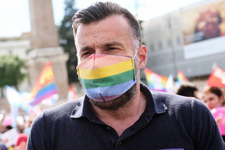 Alessandro Zan a Spoltore per la panchina arcobaleno