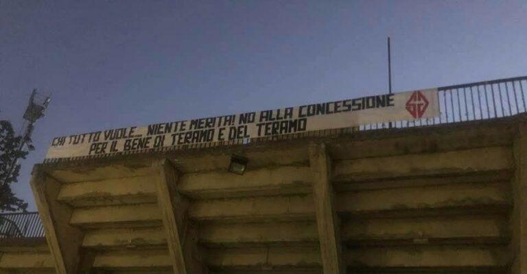 Tifosi del Teramo contro l'approvazione del pef dello stadio FOTO