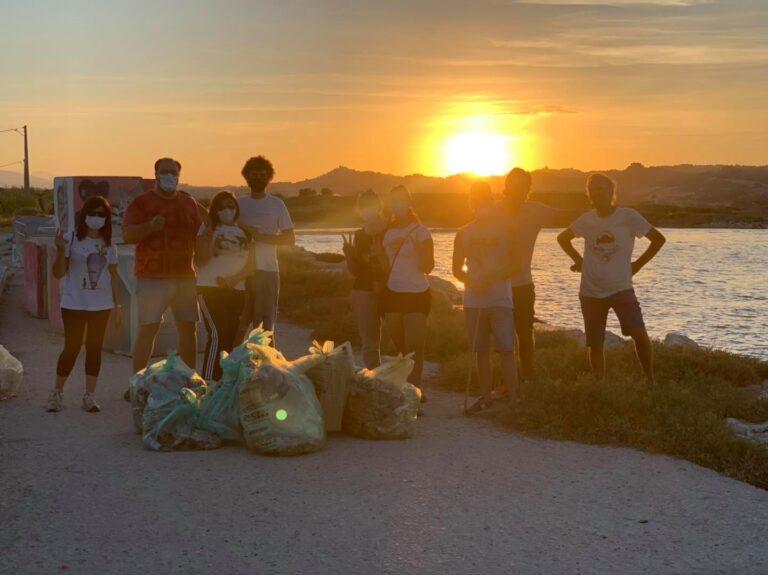 Martinsicuro, pulizia del territorio: il ringraziamento del Comune ai volontari FOTO