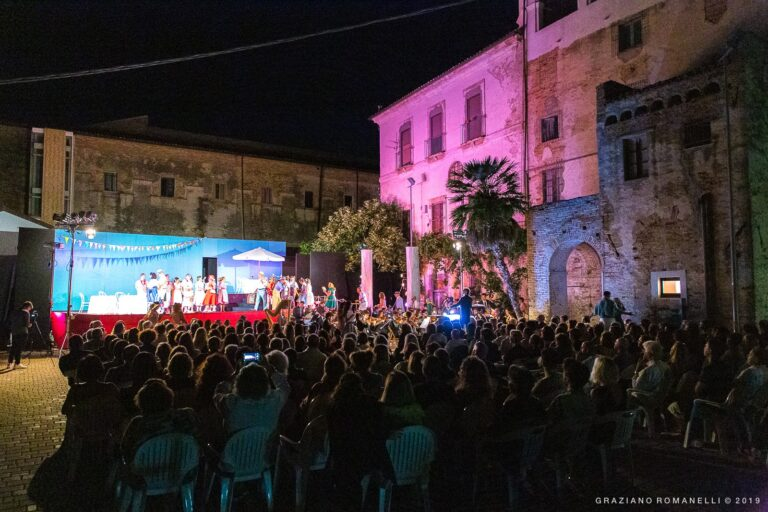 Città Sant'Angelo, niente grandi eventi: estate tutta culturale