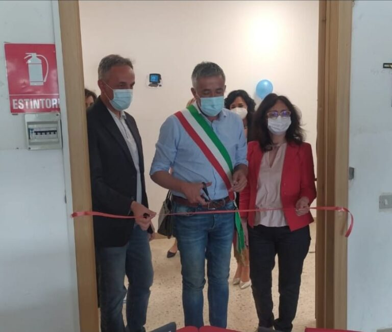 Atri, aula tecnologica inaugurata nella primaria di Casoli FOTO