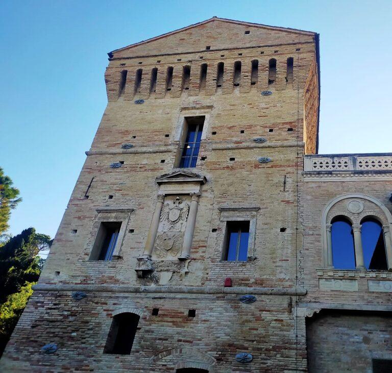 Dante e l'Abruzzo: la Divina Commedia fa tappa alla Torre di Martinsicuro