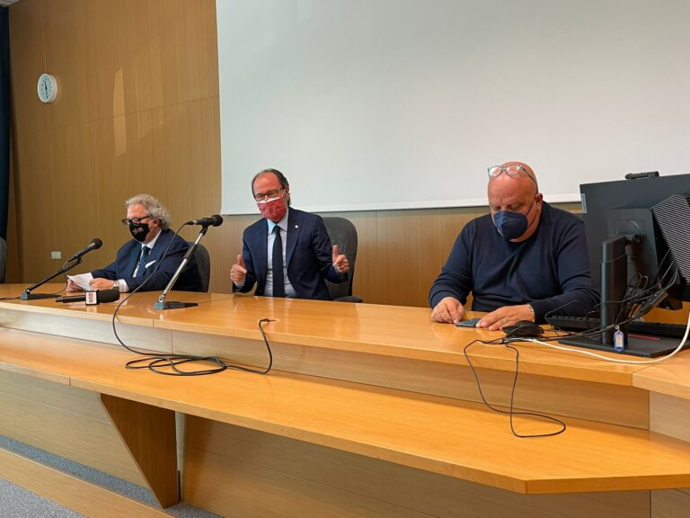"""Mastrocola (UniTe): """"Figliuolo verrà a Teramo. Per i maturandi vaccino e tour nell'Ateneo"""" VIDEO"""