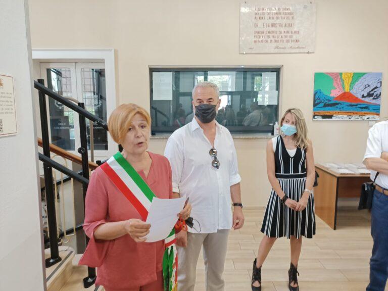 Alba Adriatica, 31 opere per un lungo viaggio nell'arte. Esposizione in Comune FOTO VIDEO
