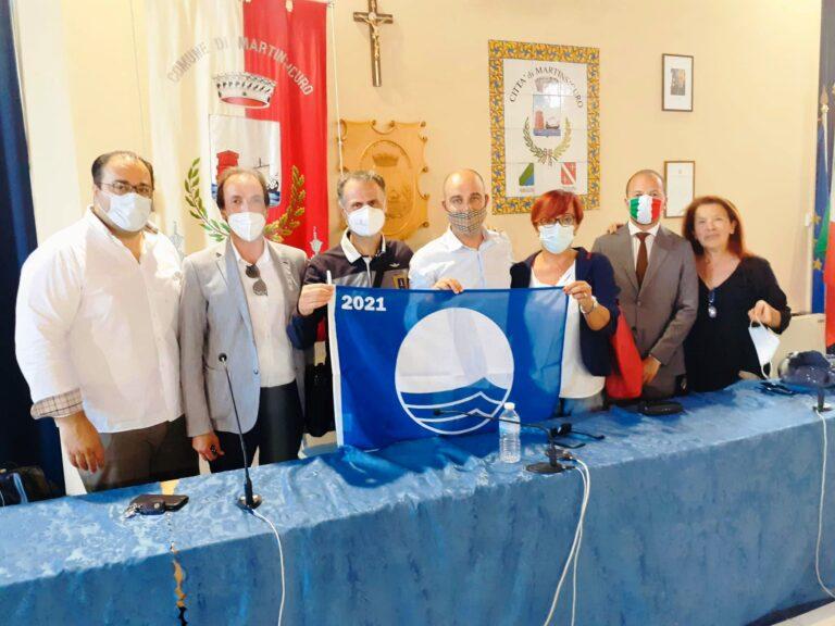Martinsicuro, consegnate le Bandiere Blu agli operatori turistici FOTO