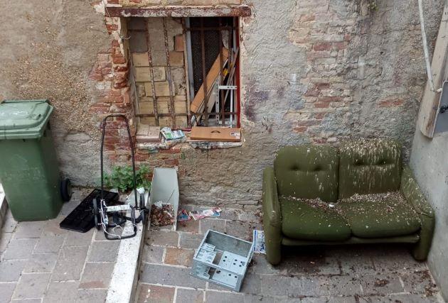 Chieti, incuria in alcune zone del centro storico. Di Ciano: 'I residenti chiedono un intervento immediato'