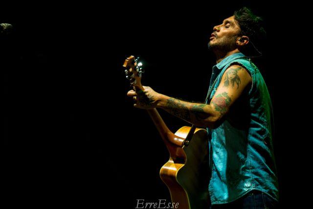 Francavilla, Fabrizio Moro in concerto all'Arena del Mare del Porto Turistico