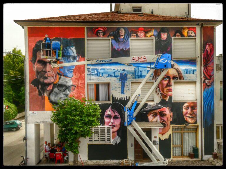 """Alba Adriatica, il nuovo murale nel """"ferro di cavallo"""". L'esempio della Pro-loco"""