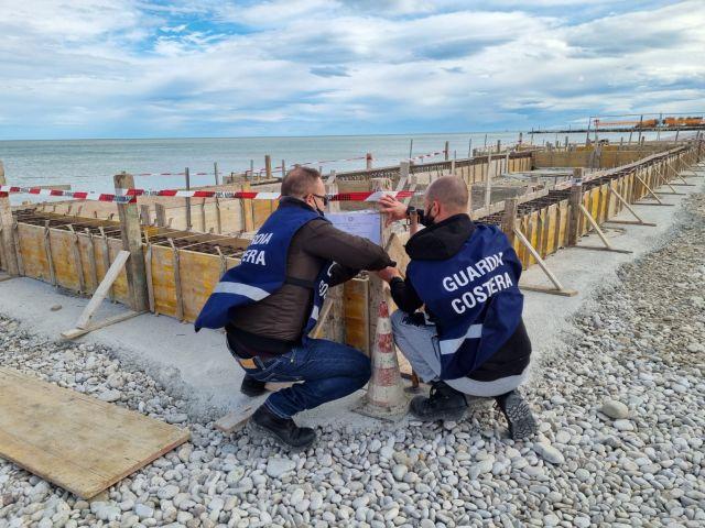 Abusi demaniali: sequestri e denunce della Guardia Costiera sul litorale di Fossacesia