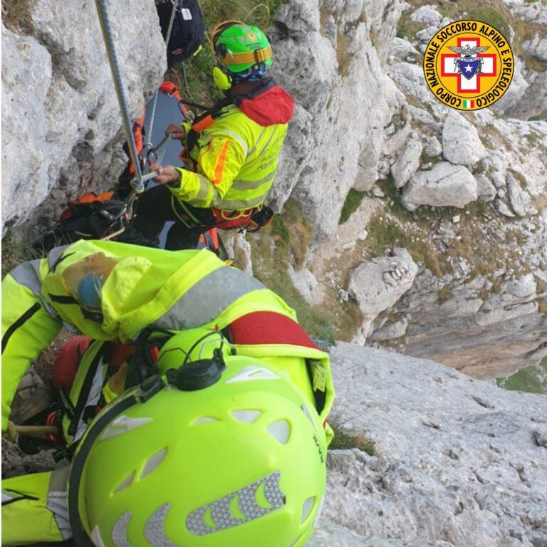 Gran Sasso, altro incidente in arrampicata: in salvo in due