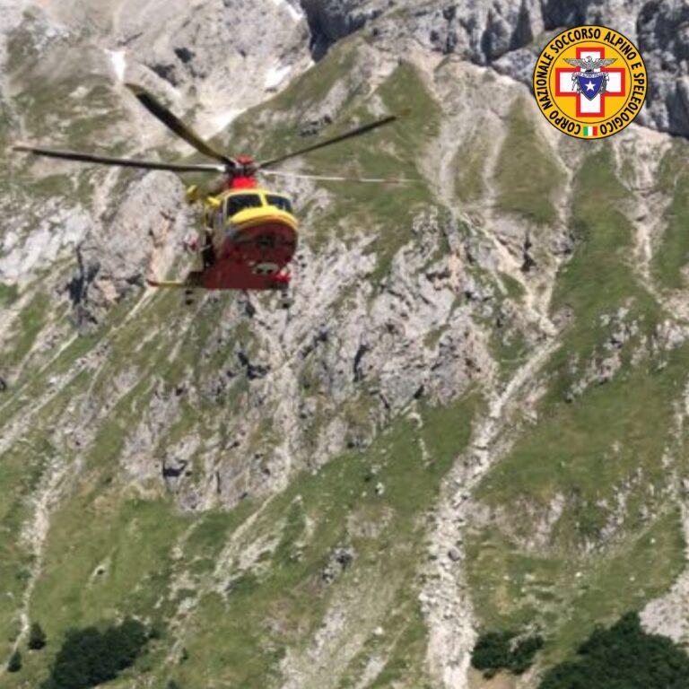 Si lussa la spalla in arrampicata su Pizzo Intermesoli: in salvo due alpinisti FOTO