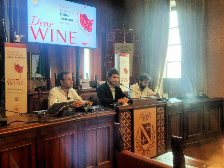 Visita e racconta le Colline Teramane del vino: l'iniziativa