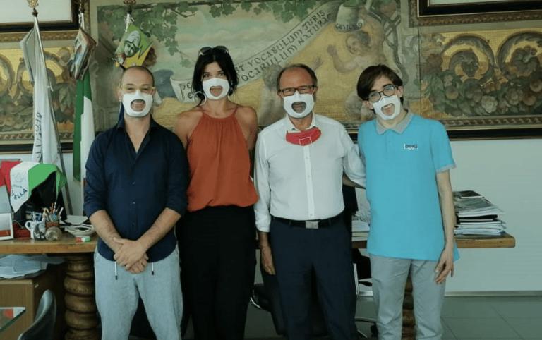 """Teramo, mascherine """"accessibili"""" in donazione all'università di Teramo"""