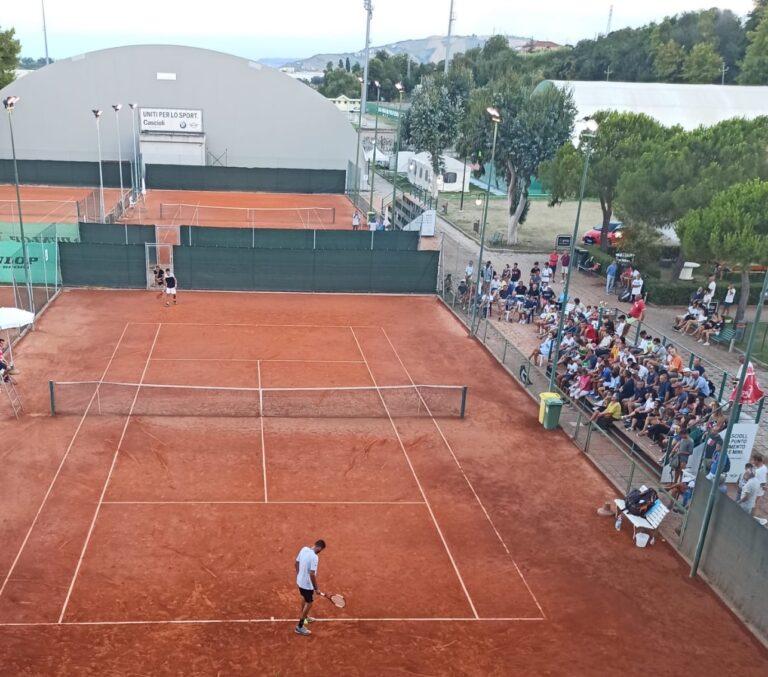 Tennis, a Roseto degli Abruzzi il torneo open maschile e femminile