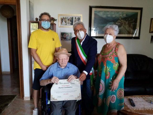 San Giovanni Teatino, Pierino Caramanico compie 100 anni: gli auguri dell'amministrazione comunale