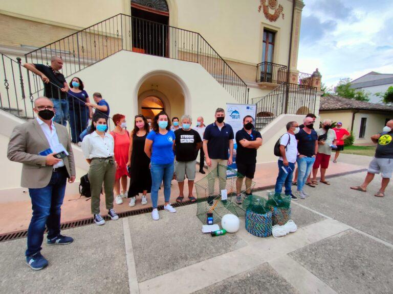 Amp Cerrano, progetto Life Delfi: consegnato il materiale ai pescatori