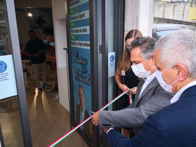 Elezioni Francavilla, presentata la sede elettorale del candidato sindaco Franco Moroni