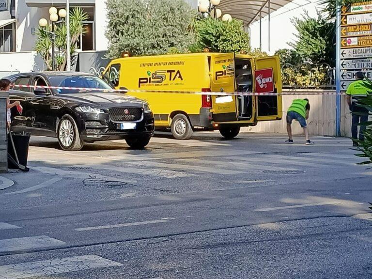 Alba Adriatica, carambola sul lungomare: coinvolto anche un ciclista