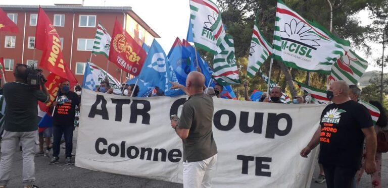 Marcia per il lavoro: manifestazione dei metalmeccanici a Teramo