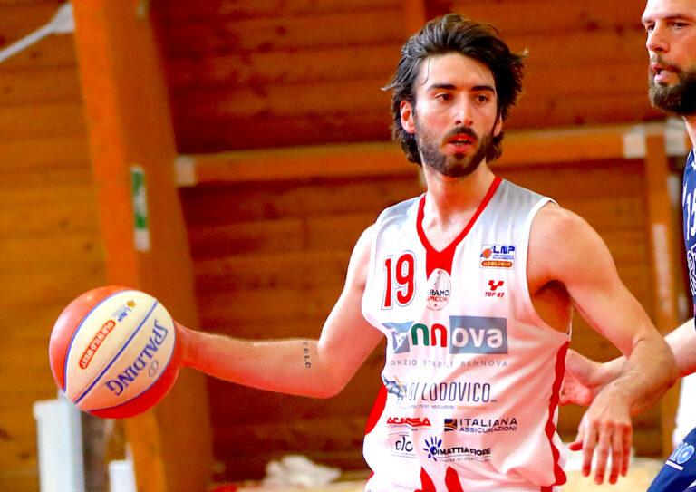 Basket, la Rennova Teramo riparte da Marco Cucco