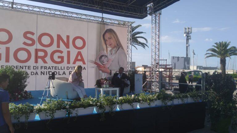 Meloni a Pescara: mamme lavoratrici e questione RAI