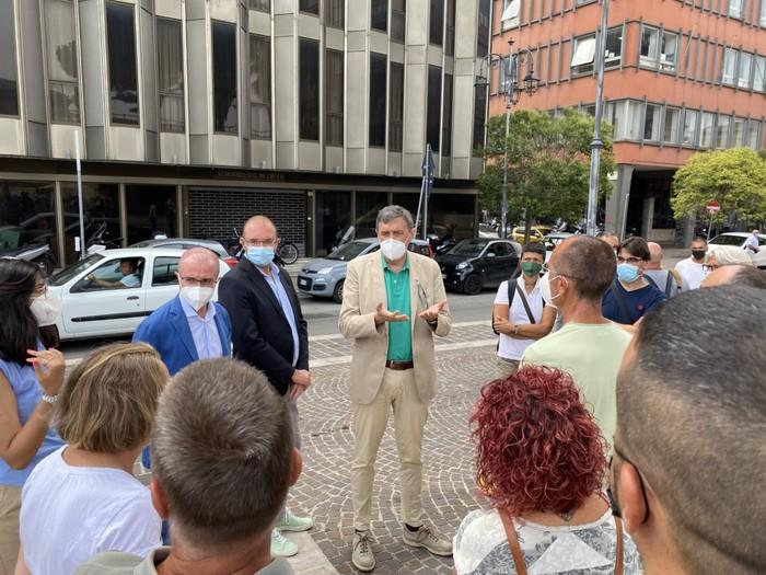 Pescara, Le Naiadi: i lavoratori tornano a protestare in piazza