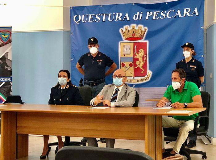 Pescara, manifestazione contro il Green Pass: 8 denunciati, anche un avvocato e un medico radiato