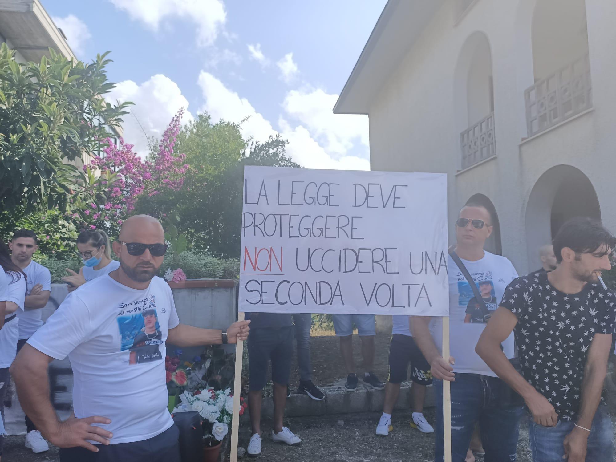 Corropoli, giustizia per Daniele: in tanti al corteo per ricordare il giovane investito FOTO VIDEO
