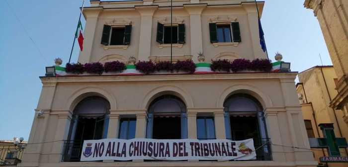 Tribunali minori: stop proroga, a Lanciano bandiera a lutto