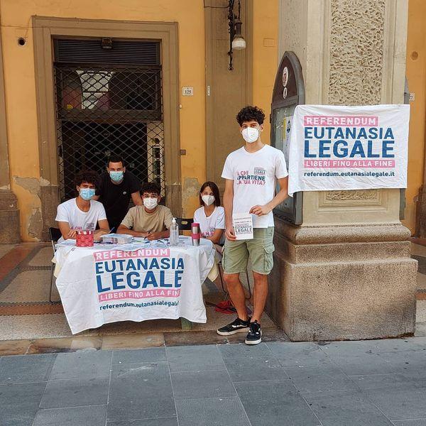 Referendum Eutanasia legale: raccolte oltre 200 firme a Teramo