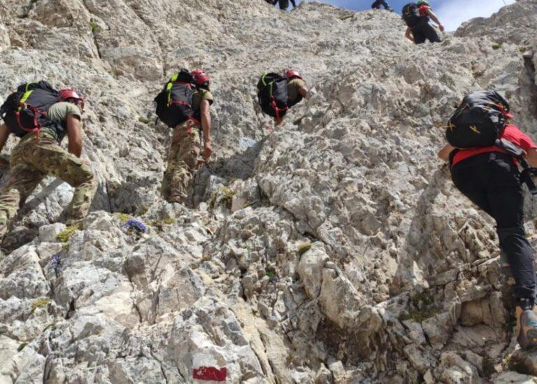 Weekend di interventi per il Soccorso Alpino: in salvo tre ragazze perse nella Valle dell'Orfento FOTO