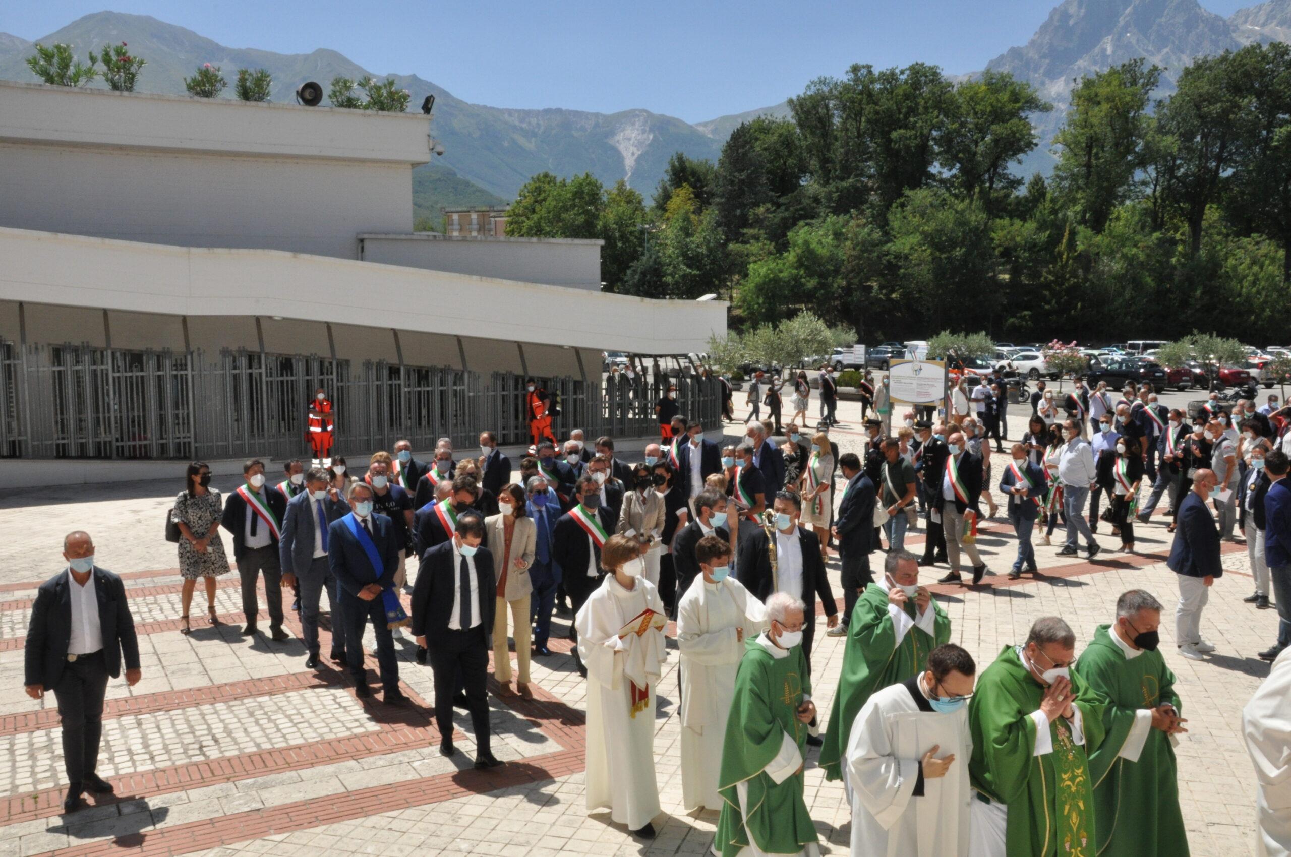 Santuario San Gabriele, tanti fedeli per il Giubileo dei Comuni FOTO