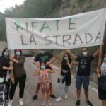 Strada provinciale 45/F impraticabile: la protesta dei cittadini di Frattoli FOTO