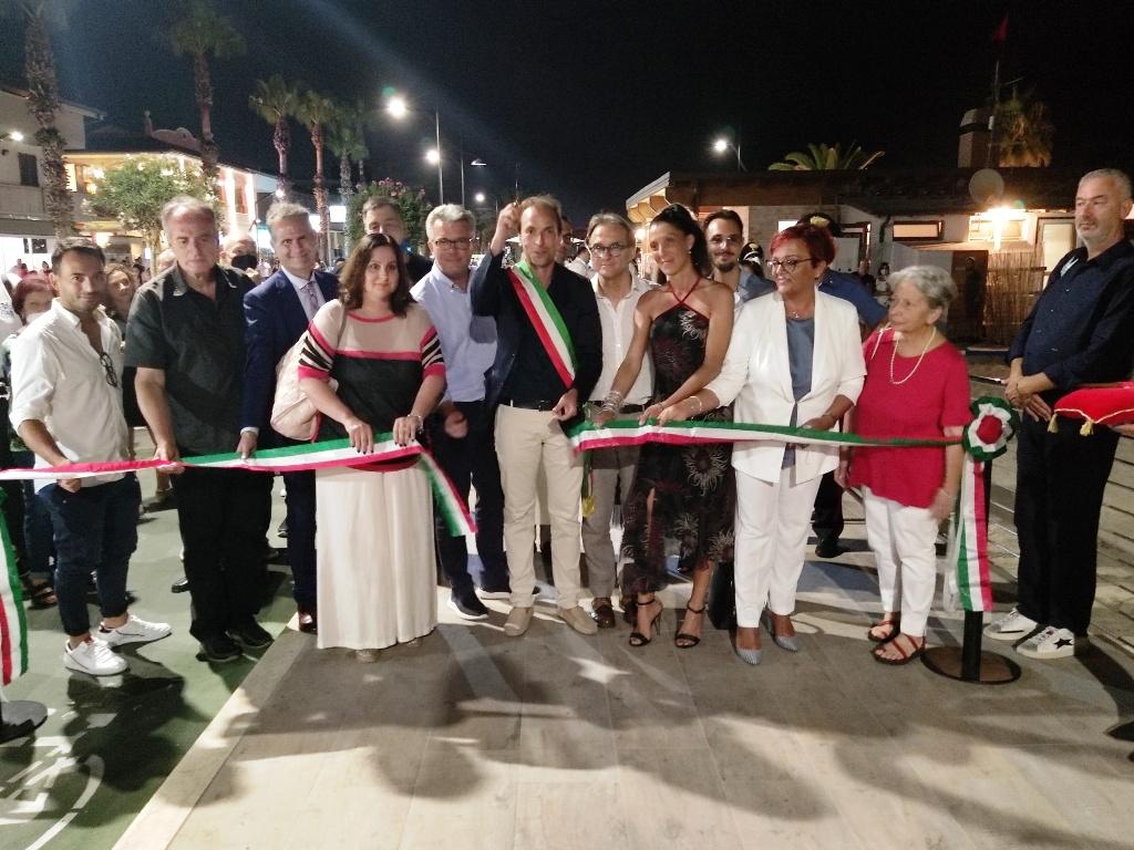 """Martinsicuro, inaugurato il """"nuovo"""" lungomare"""