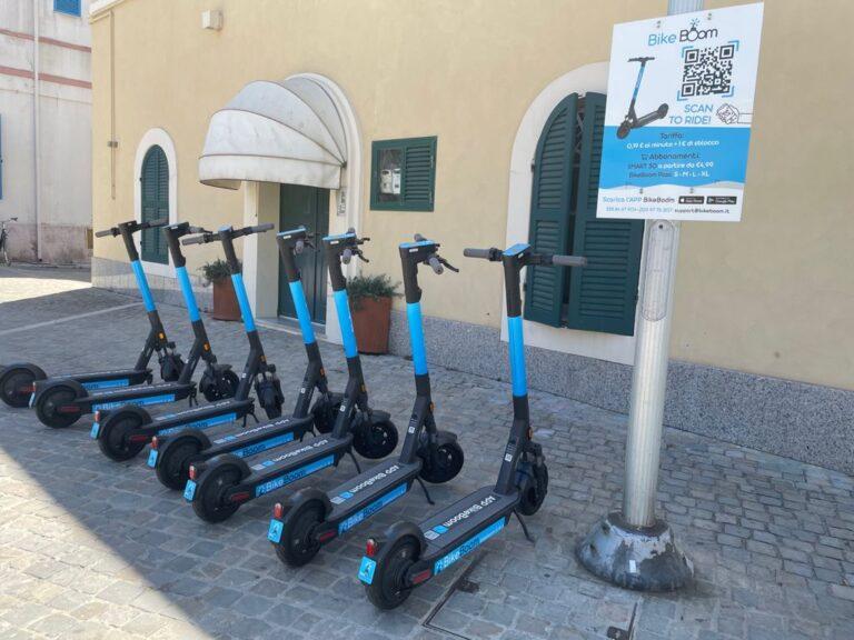 Pineto su ruote: attivo il servizio per noleggiare monopattini e bici