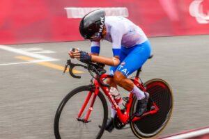 Paralimpiadi di Tokyo, ciclismo: doppia top-10 per il Team Go Fast nella cronometro con Tarlao e Addesi