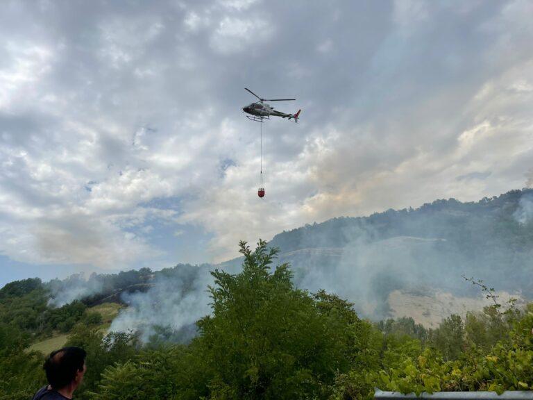Teramo brucia, le fiamme di Miano arrivano vicino Basciano FOTO VIDEO