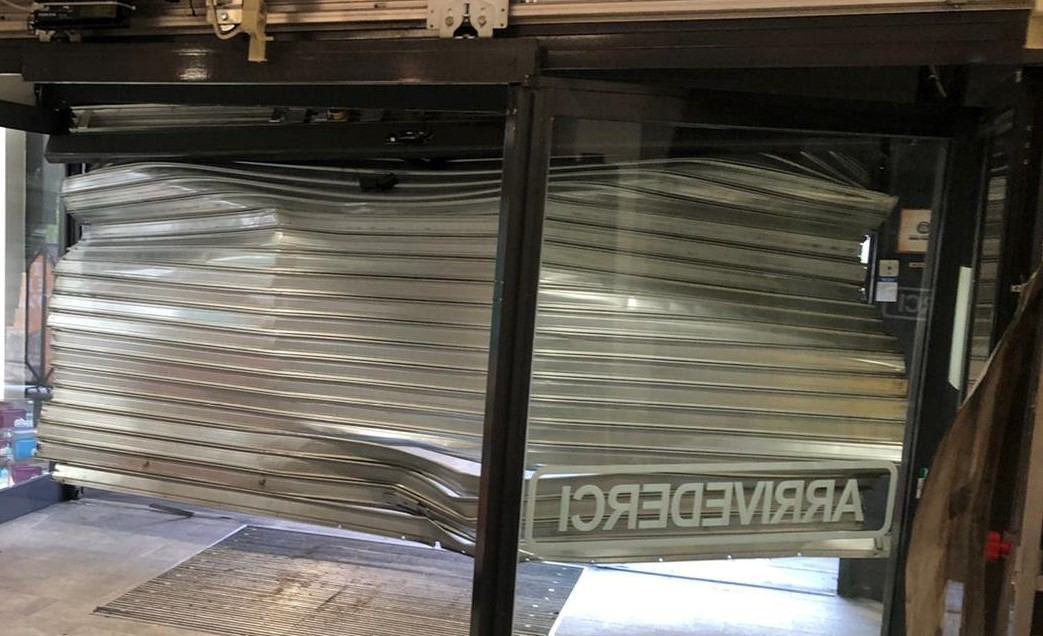 Villanova, spaccata con furgone al centro commerciale-FOTO