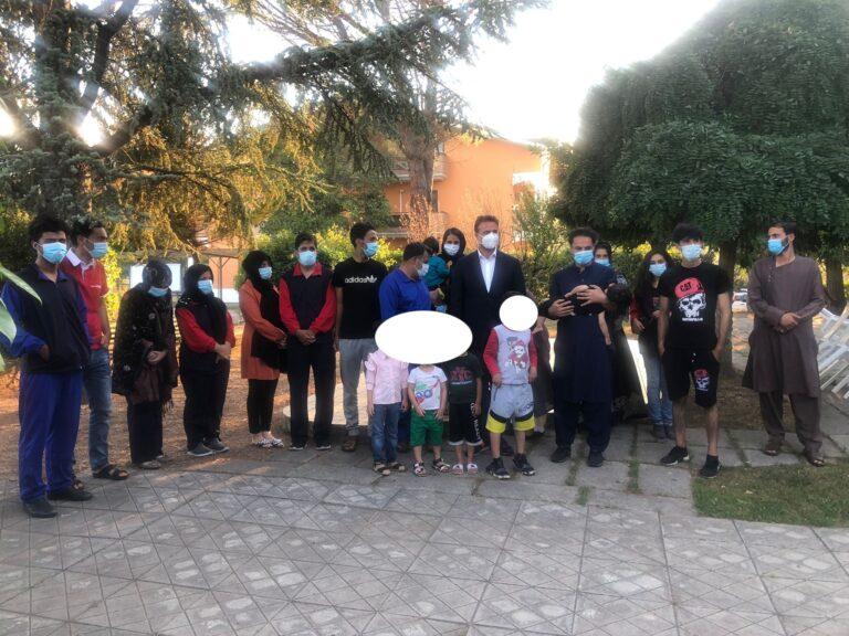 Profughi afghani in provincia di Teramo, a Montorio raccolta di solidarietà
