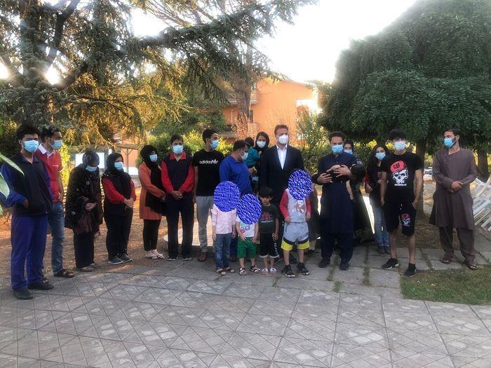 """Mobilitazione per ospitare i profughi. Fratello e sorella si """"ritrovano"""" all'hub di Avezzano"""