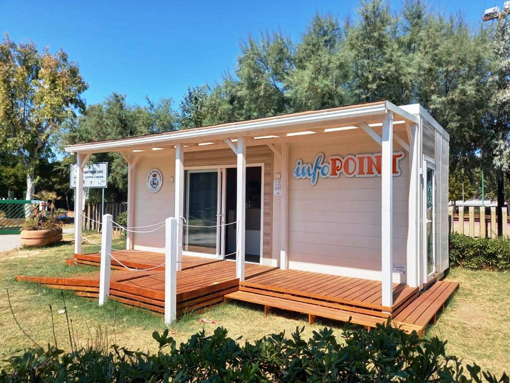 Martinsicuro, operativi sul lungomare i due infopoint turistici