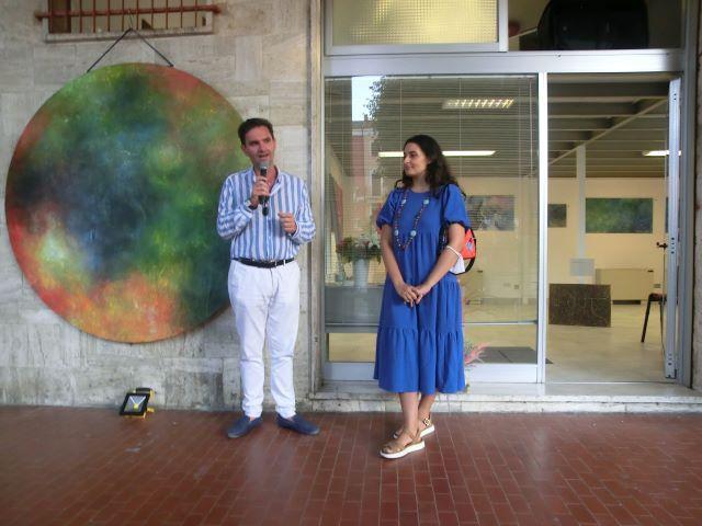 Orsogna: inaugurata 'Stratosfere', la mostra personale di pittura di Benedetta Luciani VIDEO