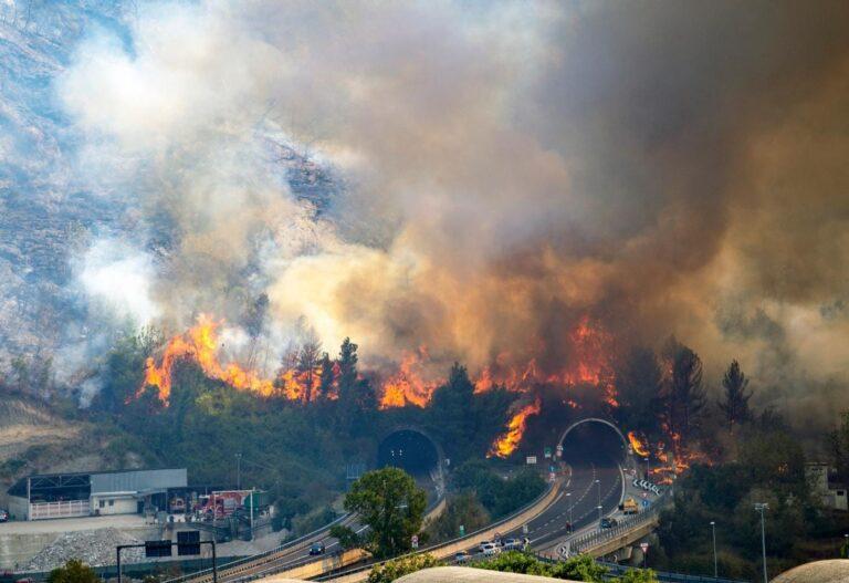 Incendi a Teramo: bruciati oltre 100 ettari di vegetazione FOTO VIDEO