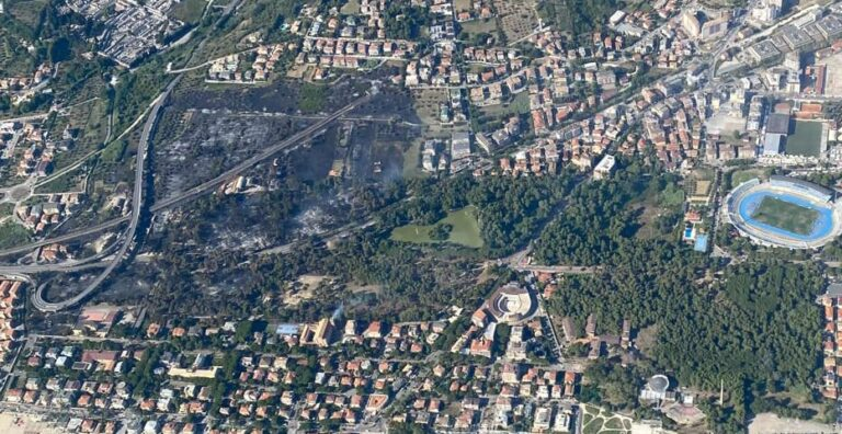 Incendio Pescara, traffico in tilt dopo giorni