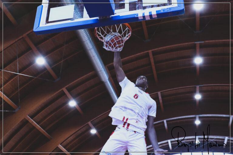 Basket, Teramo a Spicchi: Michel Guilavogui resta Biancorosso