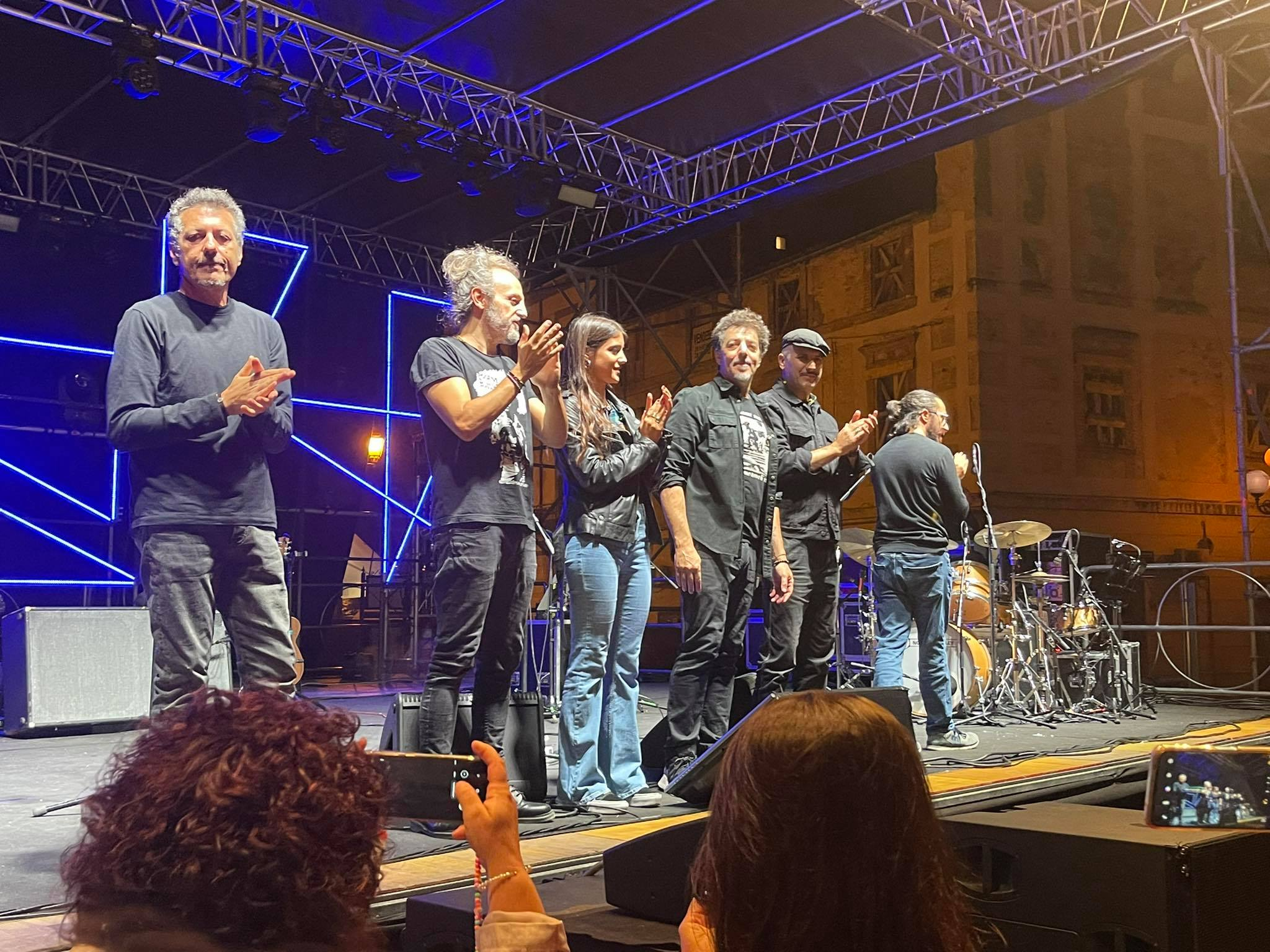Max Gazzè incanta Montorio al Vomano con due ore di concerto FOTO VIDEO