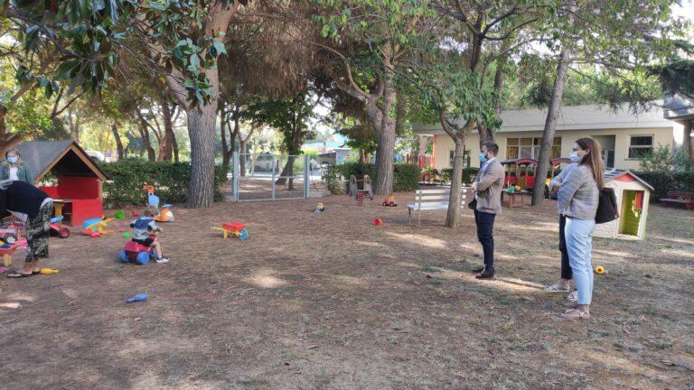 Giulianova, Costantini e Albani visitano l'asilo nido 'Arcobaleno'