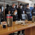 Campli, due chili di droga in casa di un incensurato: la mobile lo arresta